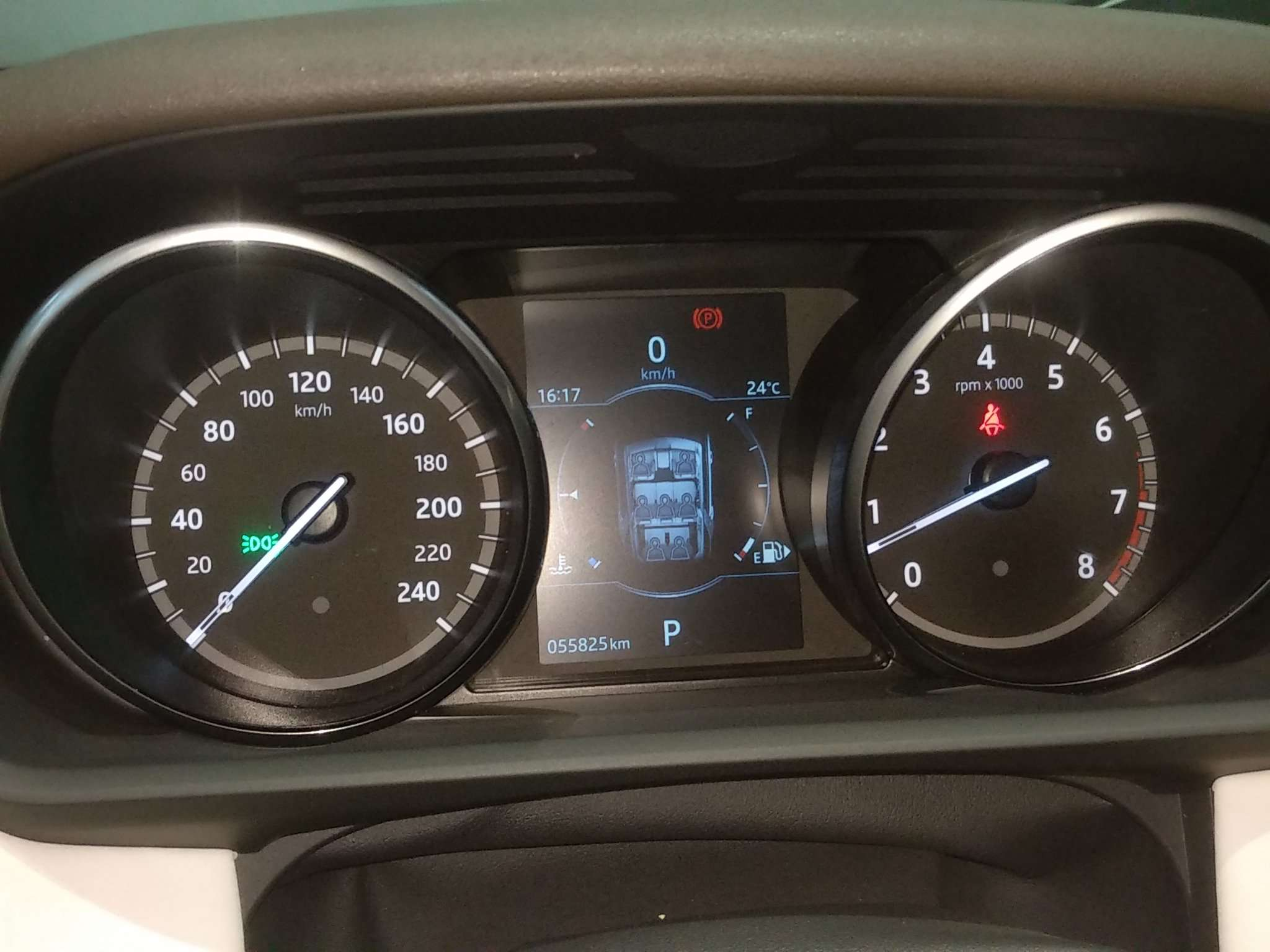 精真估提供二手车路虎发现 2017款 3.0T 自动 V6 HSE