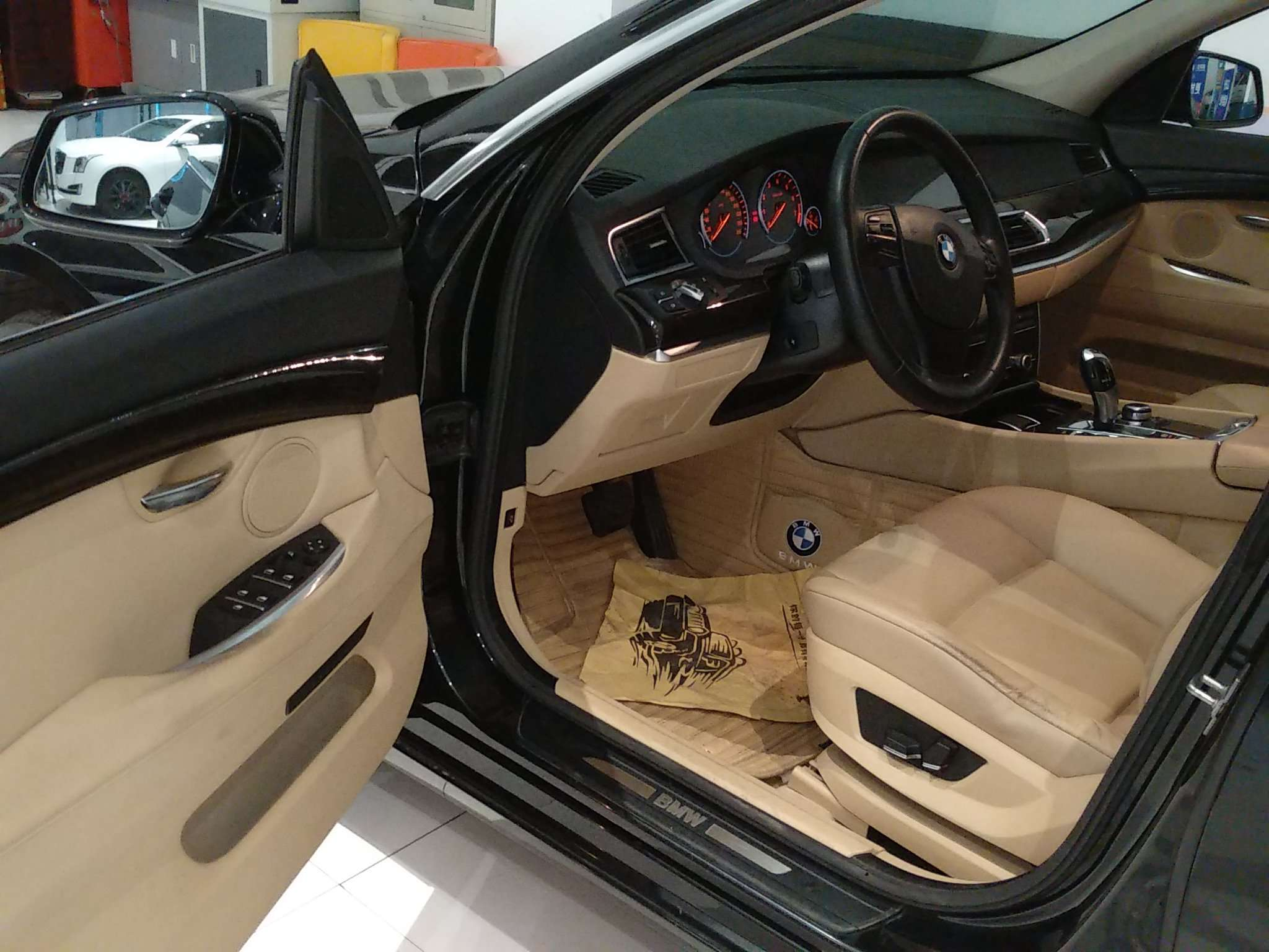 精真估提供二手车宝马5系GT 2011款 3.0T 自动 535i典雅型