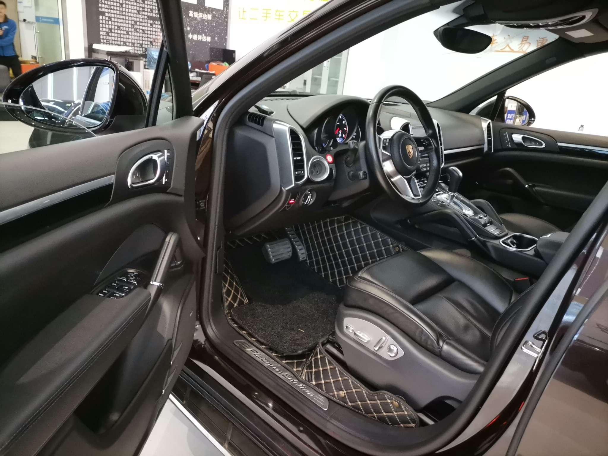 精真估提供二手车保时捷Cayenne 2016款 3.0T 自动 Cayenne Platinum Edition